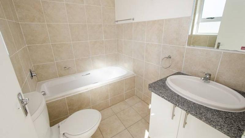 Avon Gardens Bathroom
