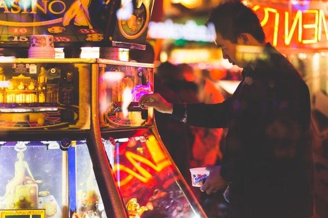 Traditional Casino Versus Online Casino Play
