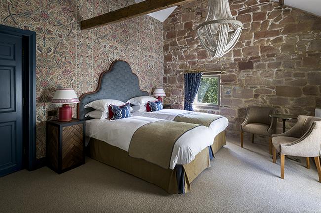 Lonnen superior bedroom