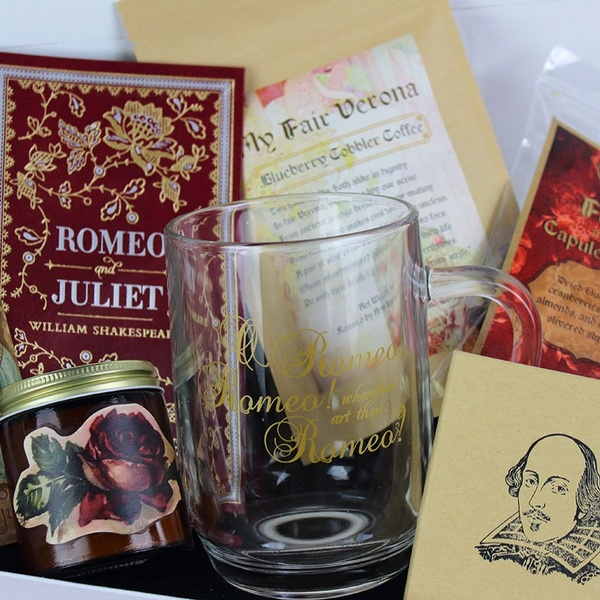 November 2018 Classic Nonfiction Box - Romeo and Juliet by William Shakespeare