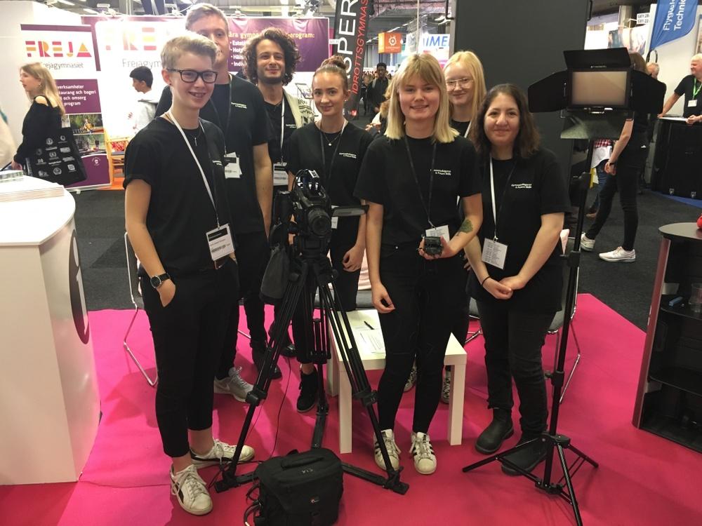 Elever på NTI Mediagymnasiet Göteborg som filmteam under gymnasiedagarna för GR