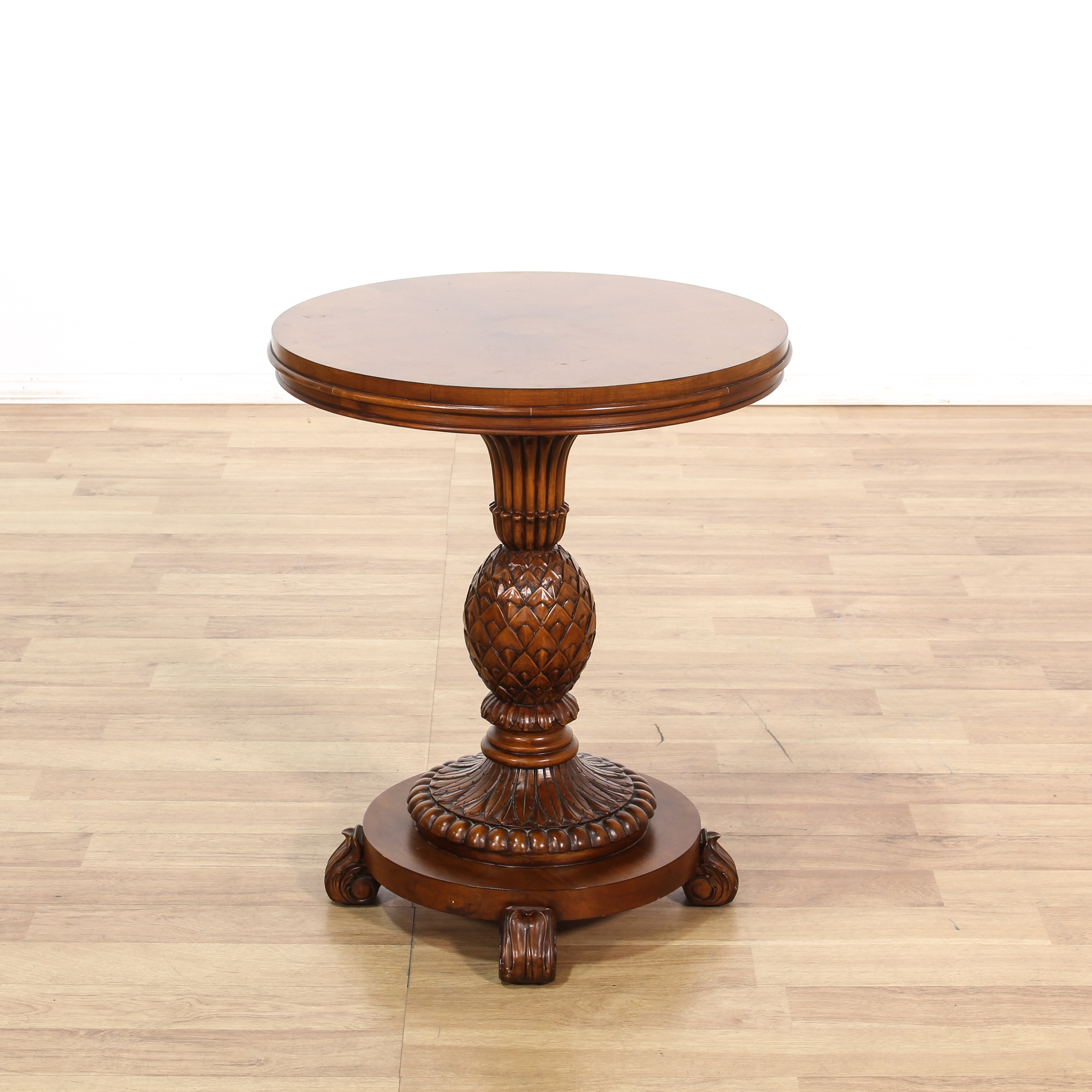 Quot Ethan Allen Quot Pineapple Base Round End Table Loveseat