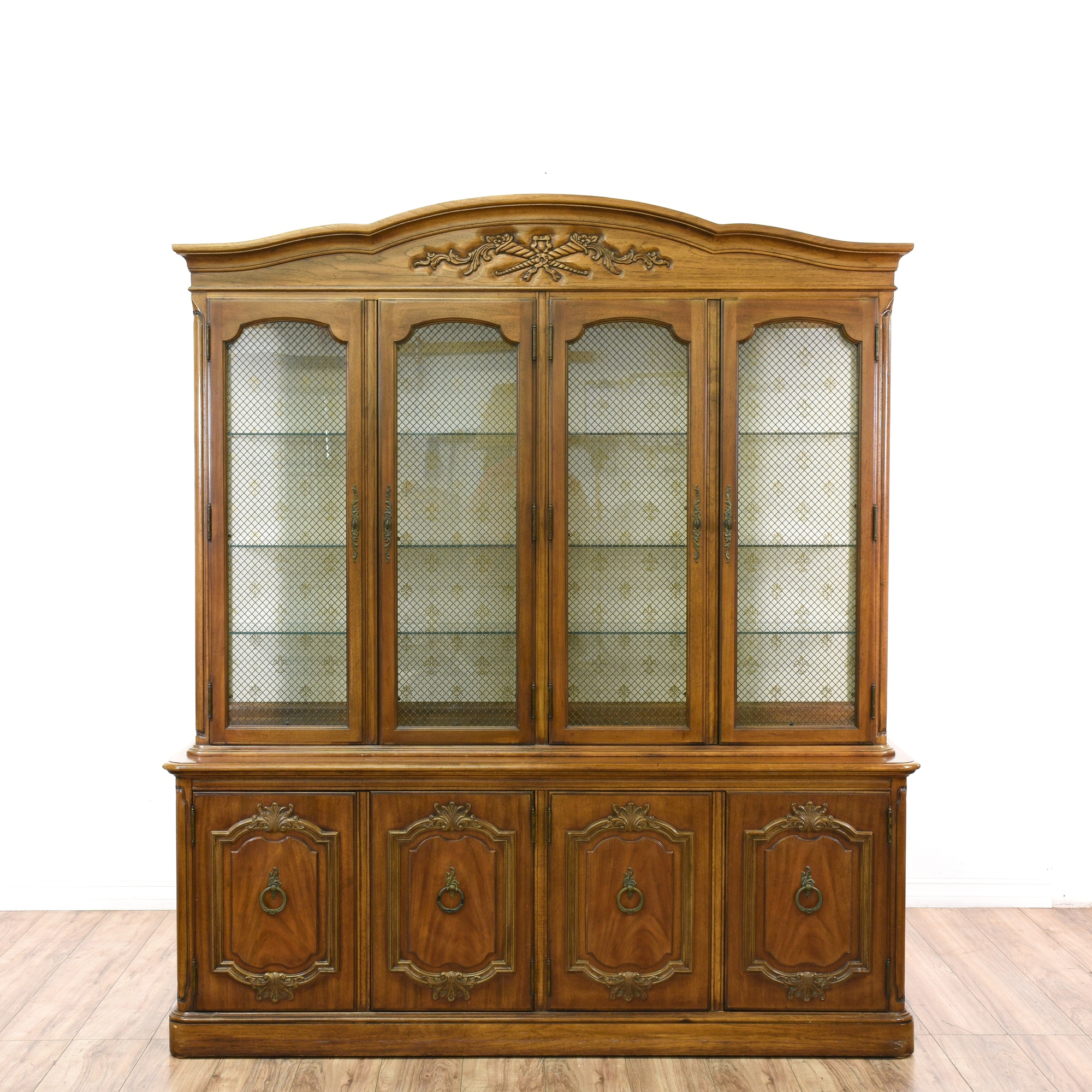 Quot Thomasville Quot Carved Oak China Cabinet Display Loveseat Vintage Furniture San Diego Amp Los Angeles