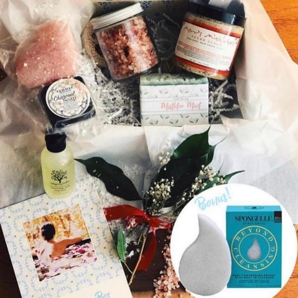 Merry Mistletoe December 2018 Box