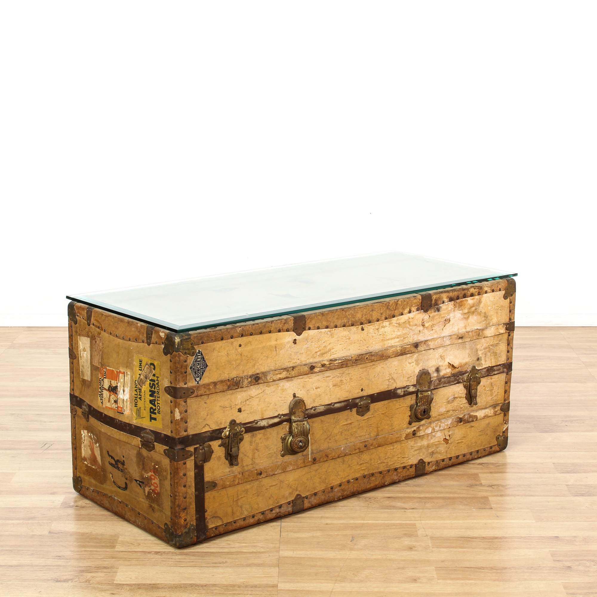 Antique Trunks As Coffee Tables: Antique Travel Steamer Trunk Coffee Table