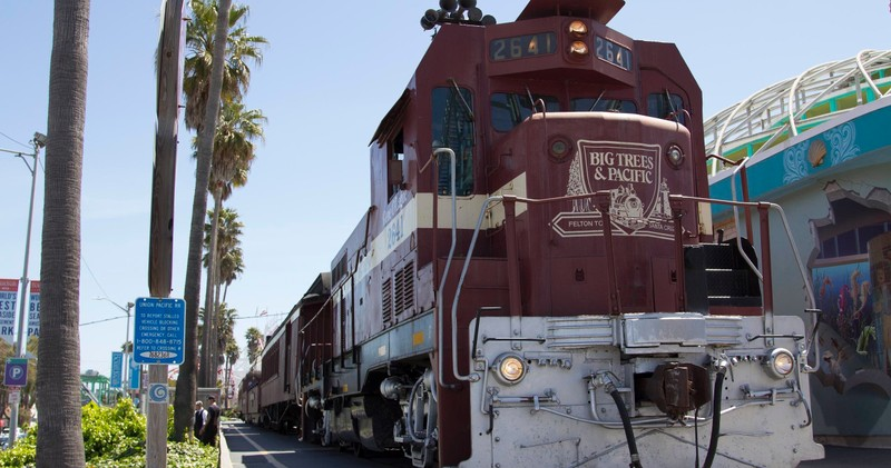 Felton To Santa Cruz Beach Boardwalk Train