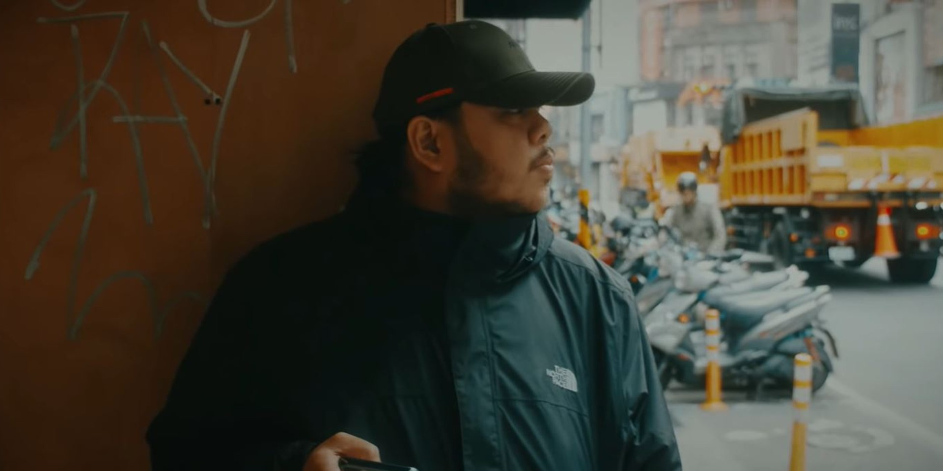 Monty Macalino runs down the streets of Taiwan in Mayonnaise and I Belong to the Zoo 'Pahirapan' music video – watch