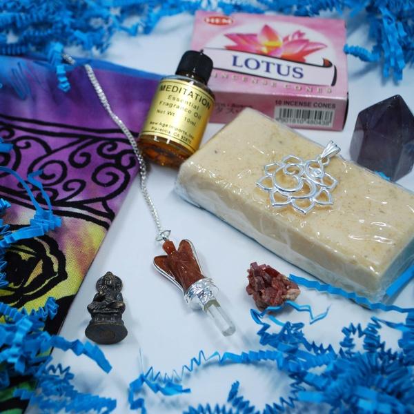 The Lady of Light Deluxe Goddess Box: Green Tara