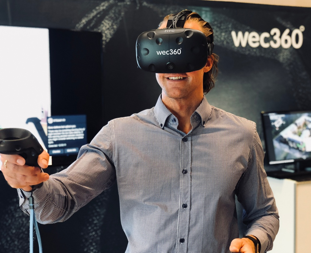 wec360°:s Head of Sales in Norway (Vegard Wästergård) using VR