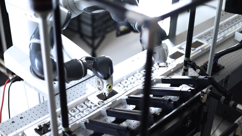 MTEK Industry utvecklar mjukvara och robotlösningar för industriföretag.