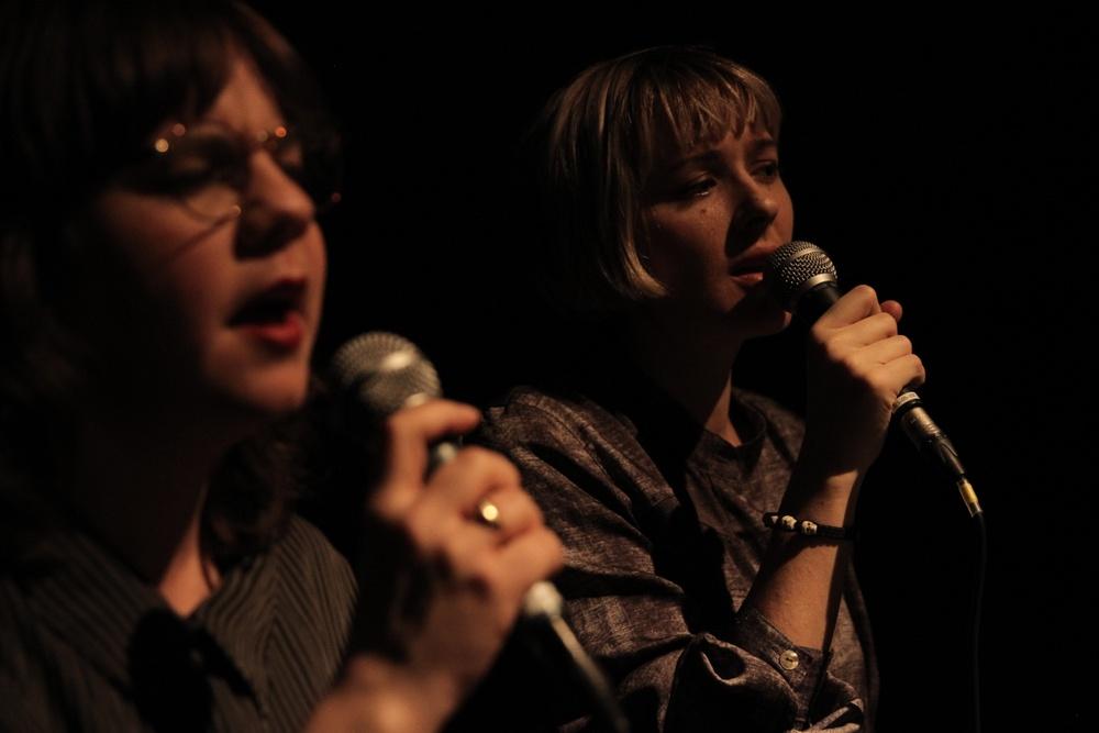 På bilden: Musikerna Maria W Horn och Sara Parkman