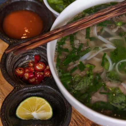Hanoi Day Tour: Vietnamese Foodie Tour and Cooking Class (half day)