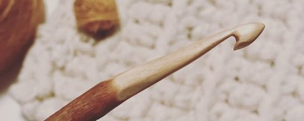 CARVE TWO WOODEN CROCHET HOOKS - WITH KRISTEN FROM LITTLE SHED HOOKS Event Banner