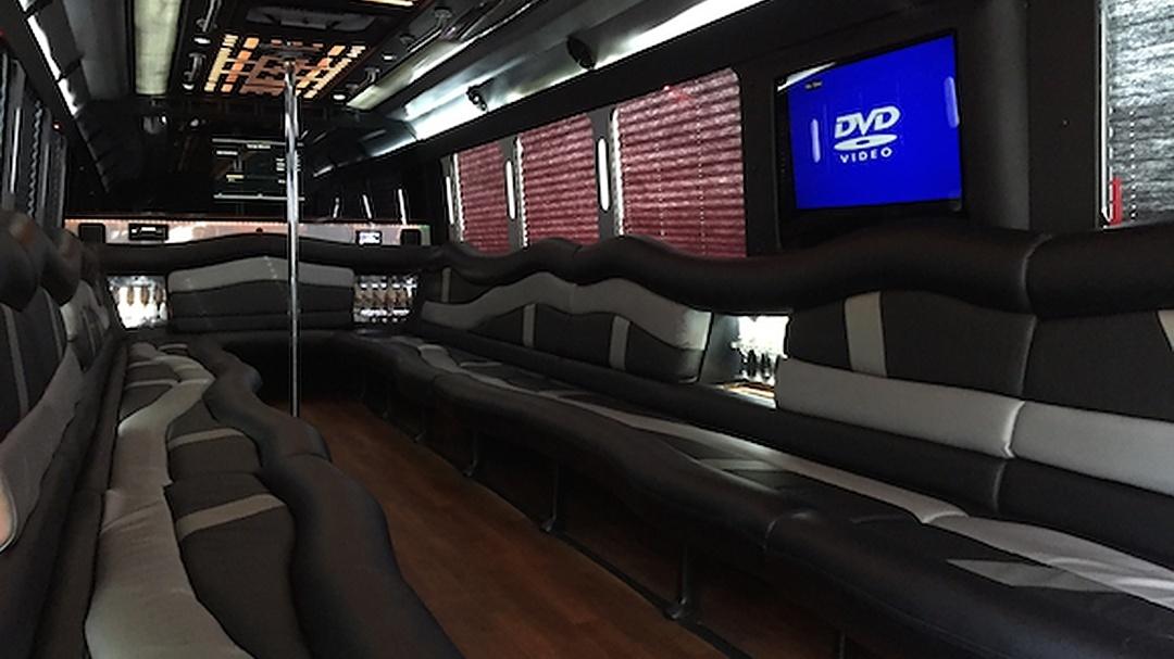 30 Passenger Party Bus (1)