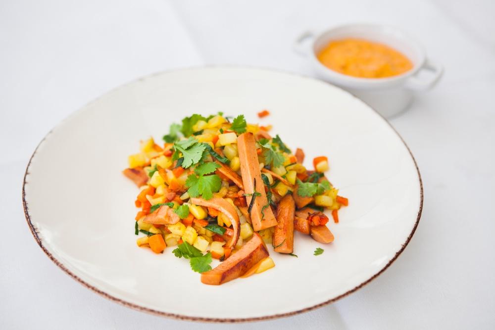 Klimat – Den smarta korven. Marknadens första kycklingkorv under 2 kg CO₂e/kg. För smartare och godare måltider.