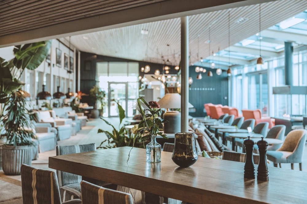 Restaurant Bistron and lounge. Photo: Anders Karolyi