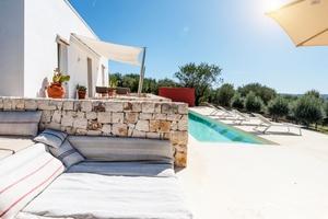 Puglia 2 bedroom lamia with pool