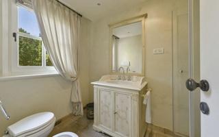4 bedroom luxury villa in Le Marche