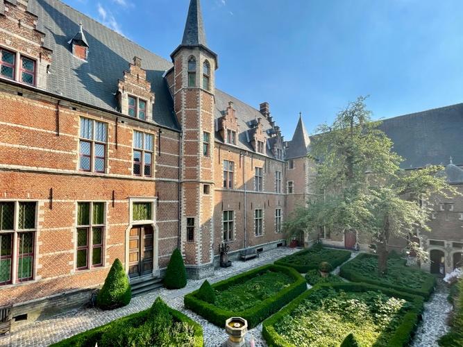 De Wit Mechelen 3.jpg