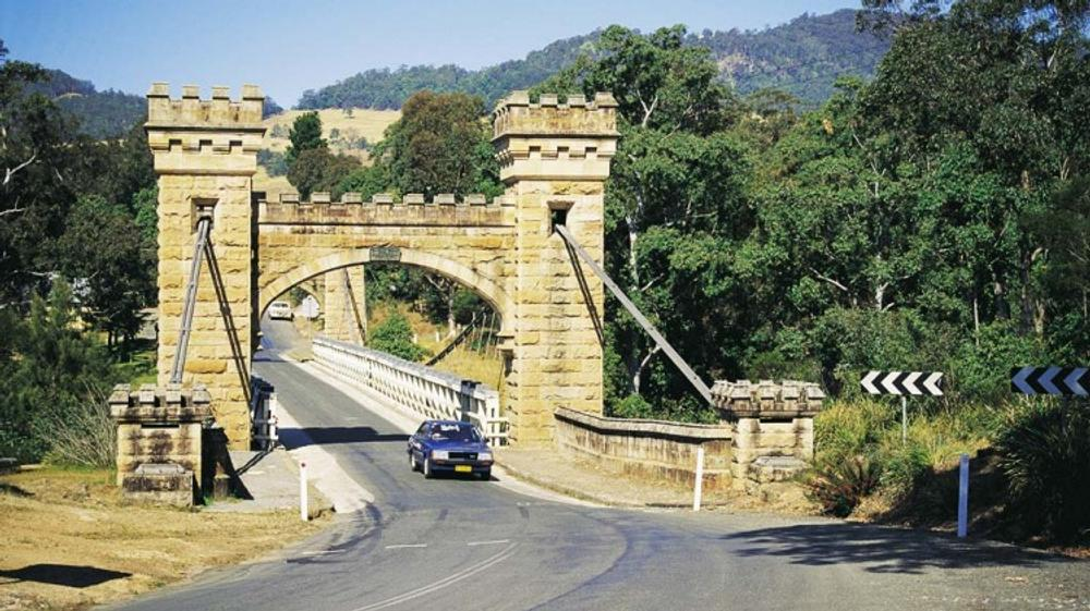 Sydney to Melbourne: Hume or coast road?