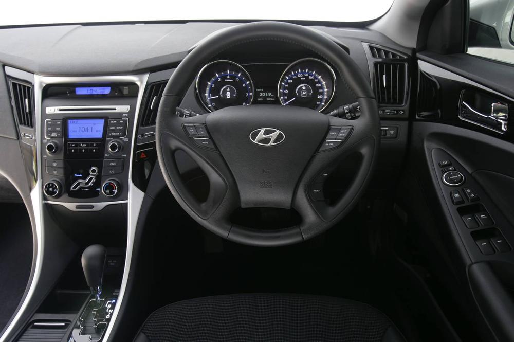2011 Hyundai I45 Active Road Test Review