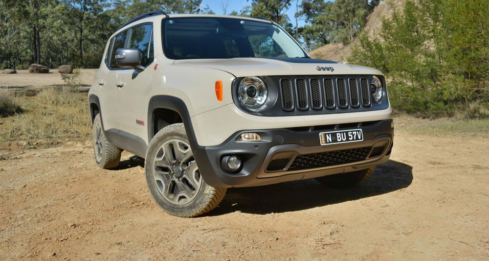 Jeep Renegade Trailhawk REVIEW, Price, Features