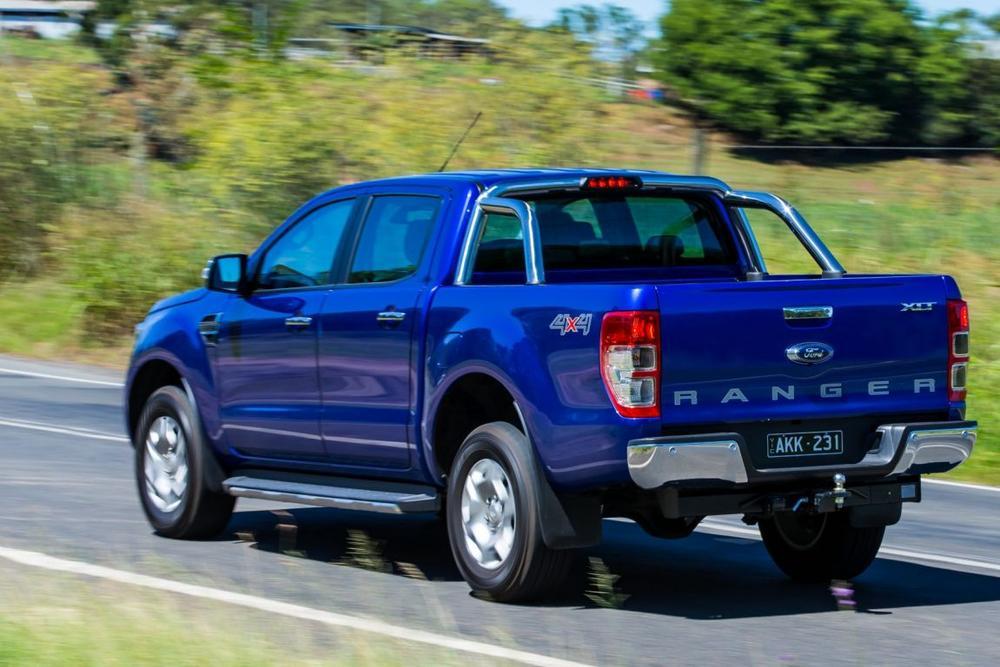 Volkswagen Amarok V6 v Ford Ranger XLT v Toyota HiLux SR5 v Holden