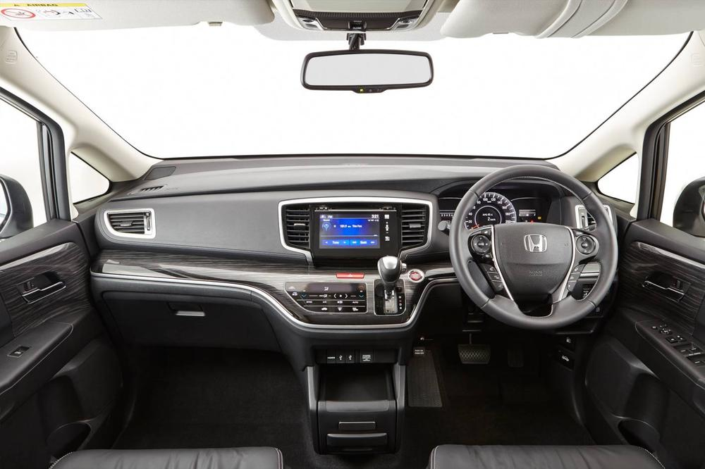Honda Odyssey Review | 2014 VTi People Mover