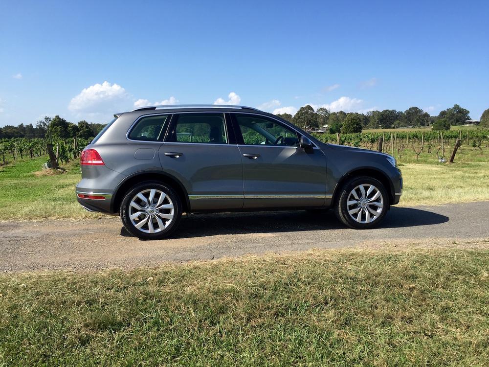 2016 Volkswagen Touareg V6 TDI REVIEW | Caught Between