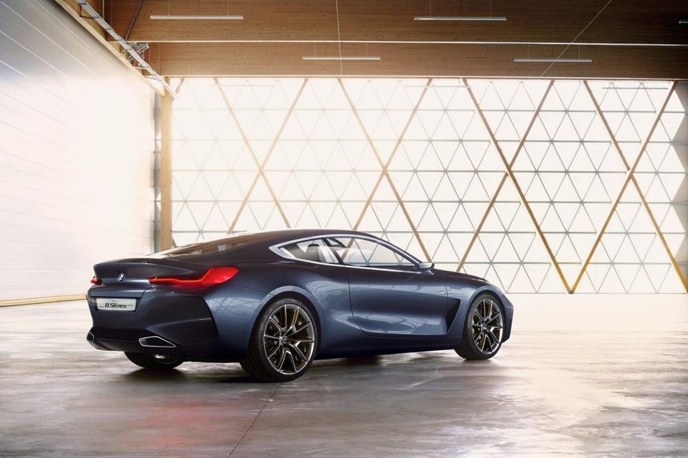 2018 BMW M8