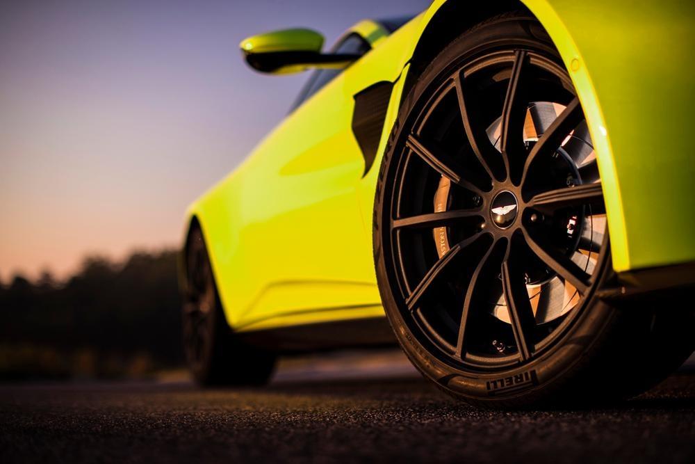 2017 Aston Martin V8