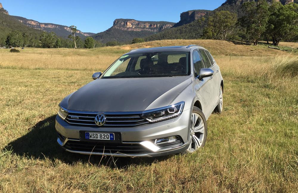 Volkswagen Passat Alltrack REVIEW | 2016 Price, Features and