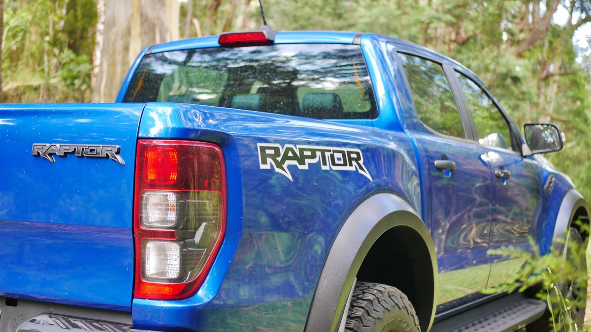 Ford Ranger Raptor vs Mercedes-X-Class V6 | Drive comparison review