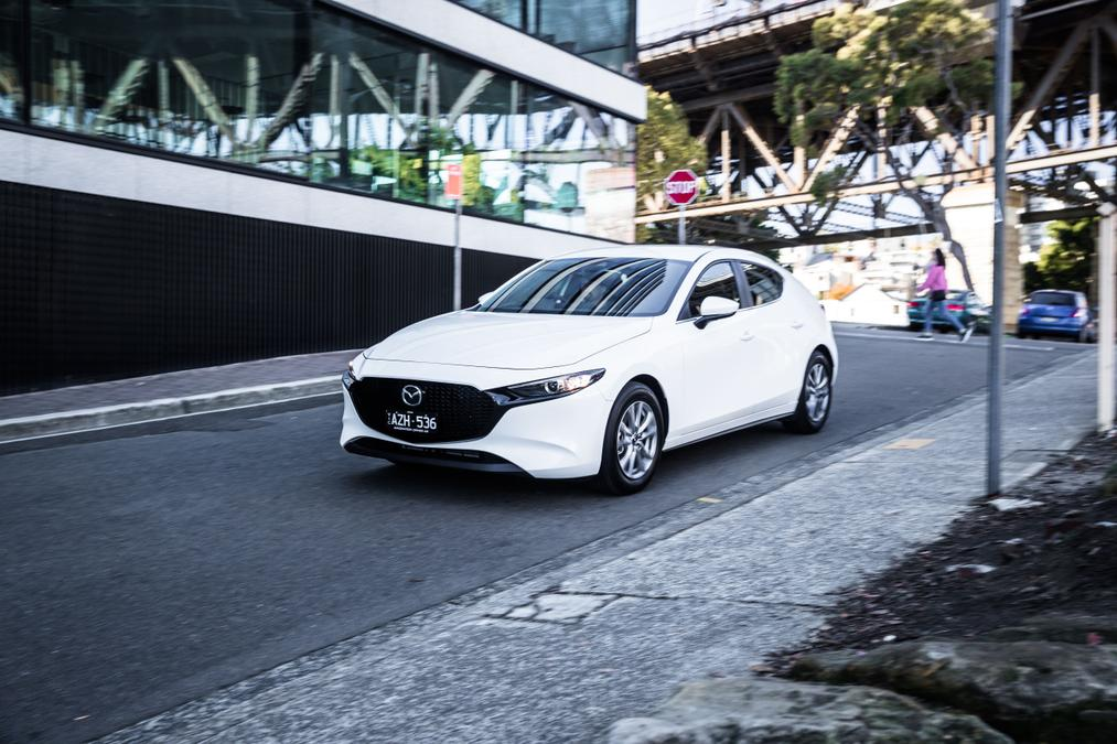 2019 Mazda 3 G20 Pure hatch Review | Price, Features