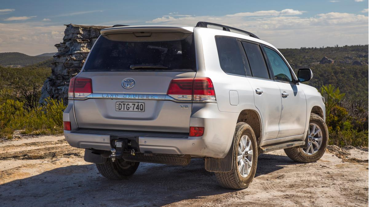 Best 4WD: Toyota LandCruiser VX 200-Series review | Drive com au