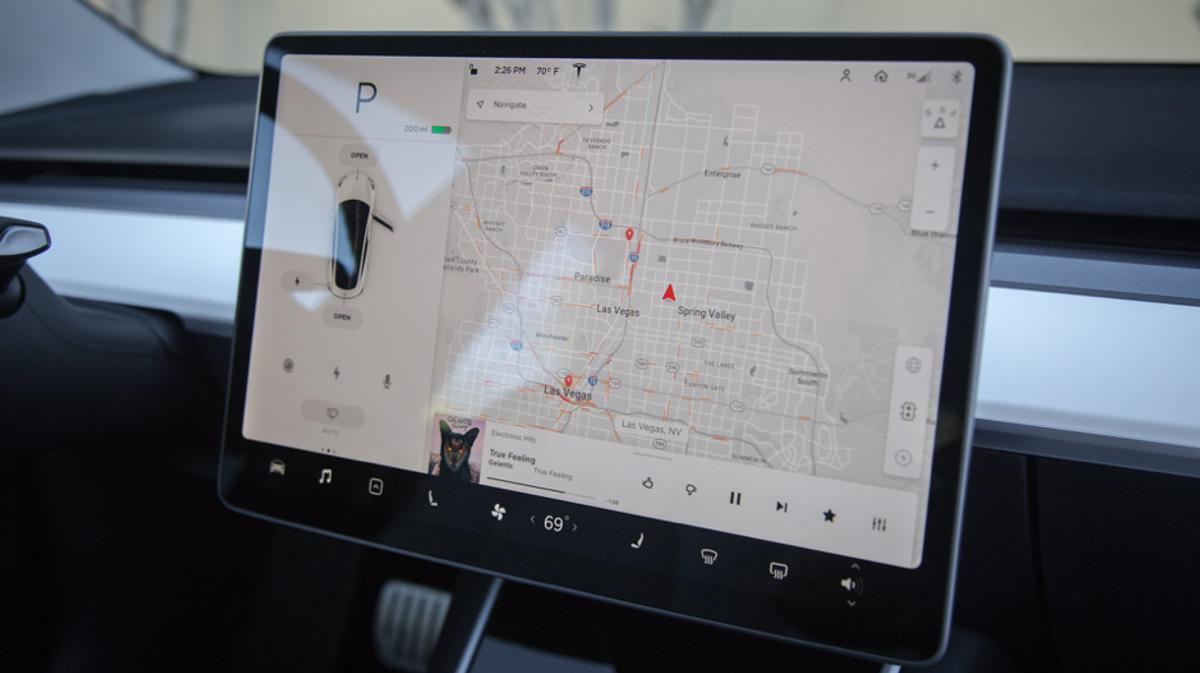 Tesla adds Netflix, YouTube to infotainment | Drive Car News