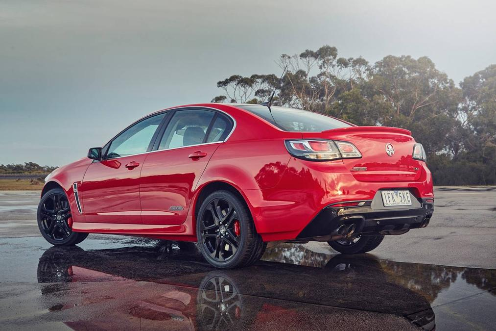 Holden Commodore VF Series 2 Used Car Review | Drive com au