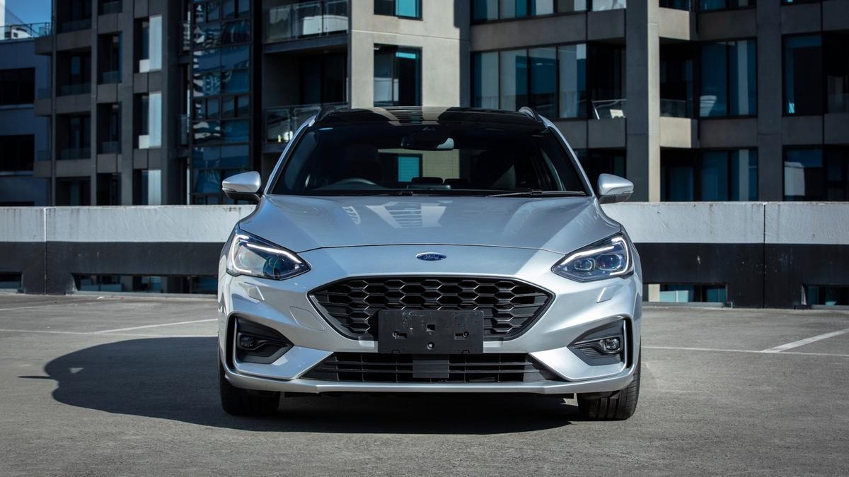Ford Focus 2019 Review Specs Details Performance Range