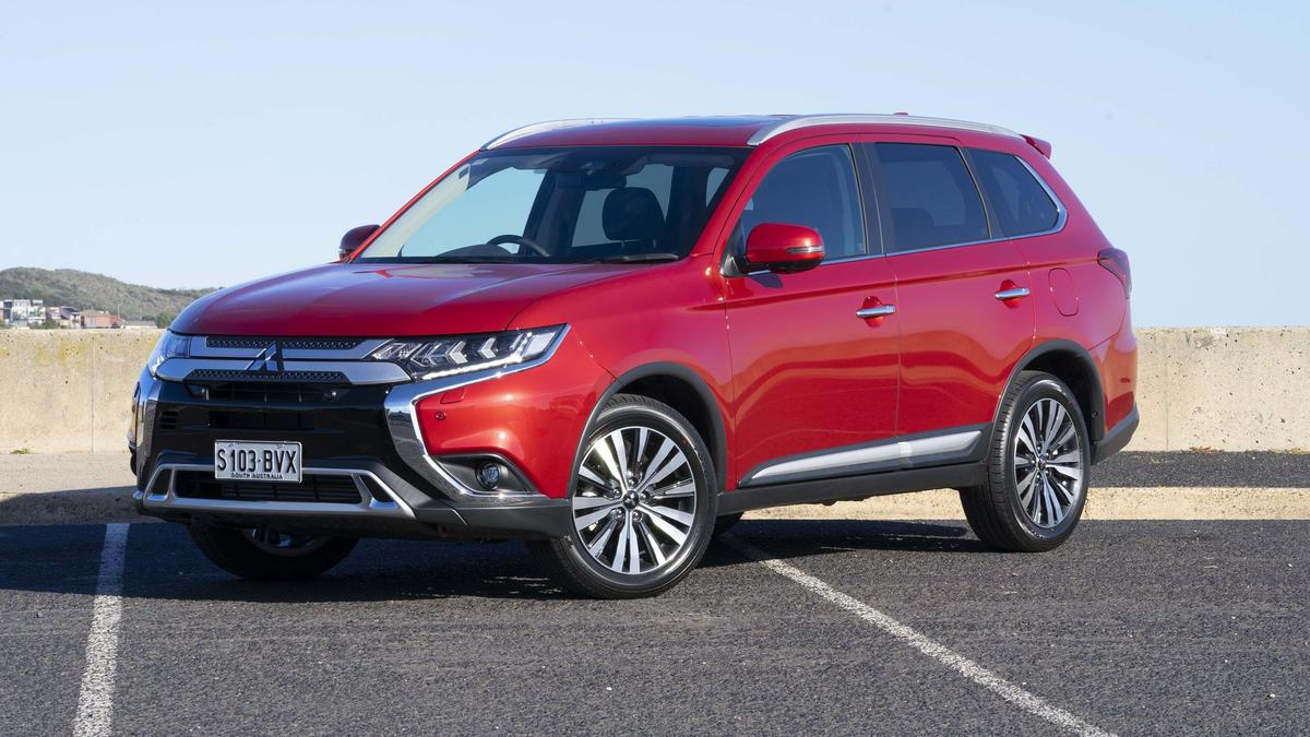 Mitsubishi Outlander Exceed diesel 2018 Review | Price and