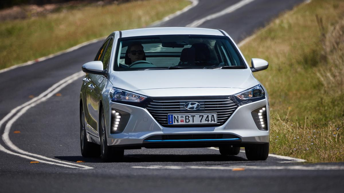 Hyundai Ioniq 2018 New Car Review | Price, Specs, Features