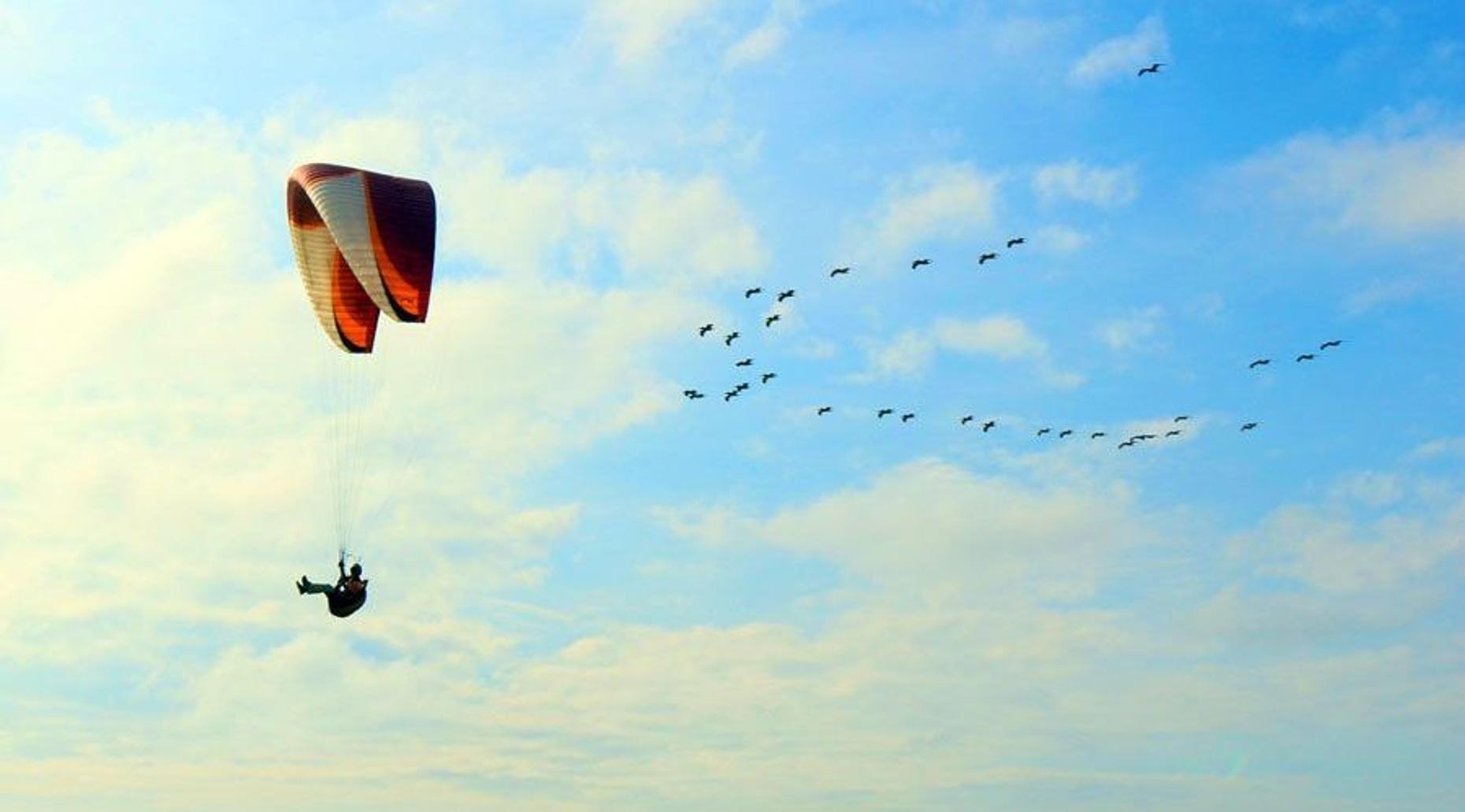 Canoa Paragliding Flight