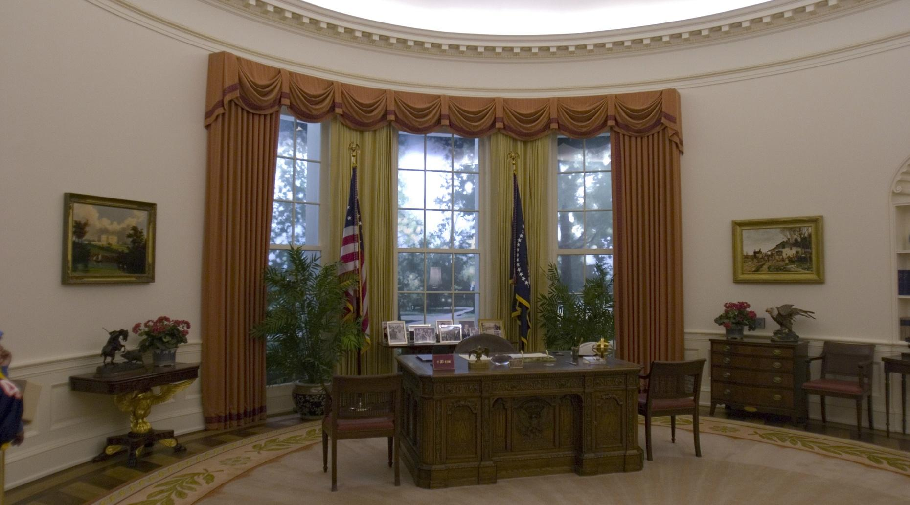 Oval Office Escape Game in Ontario