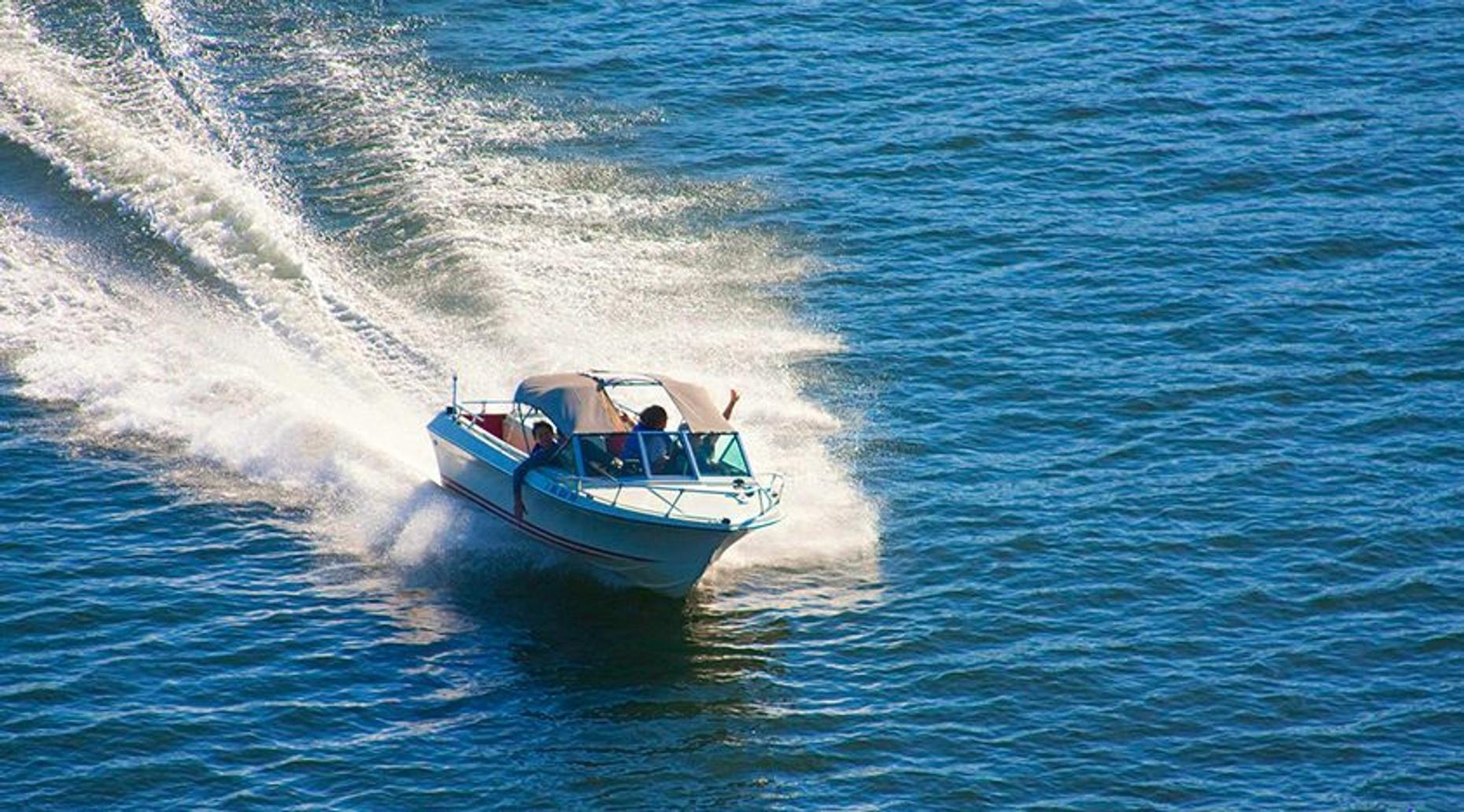 Nichupte Lagoon Speedboat Tour from Cancun