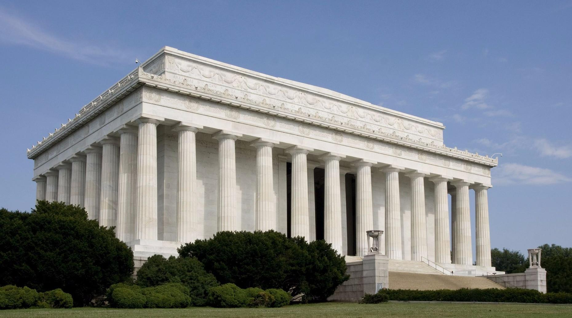 6-Hour Bus Tour of Washington D.C. Monuments