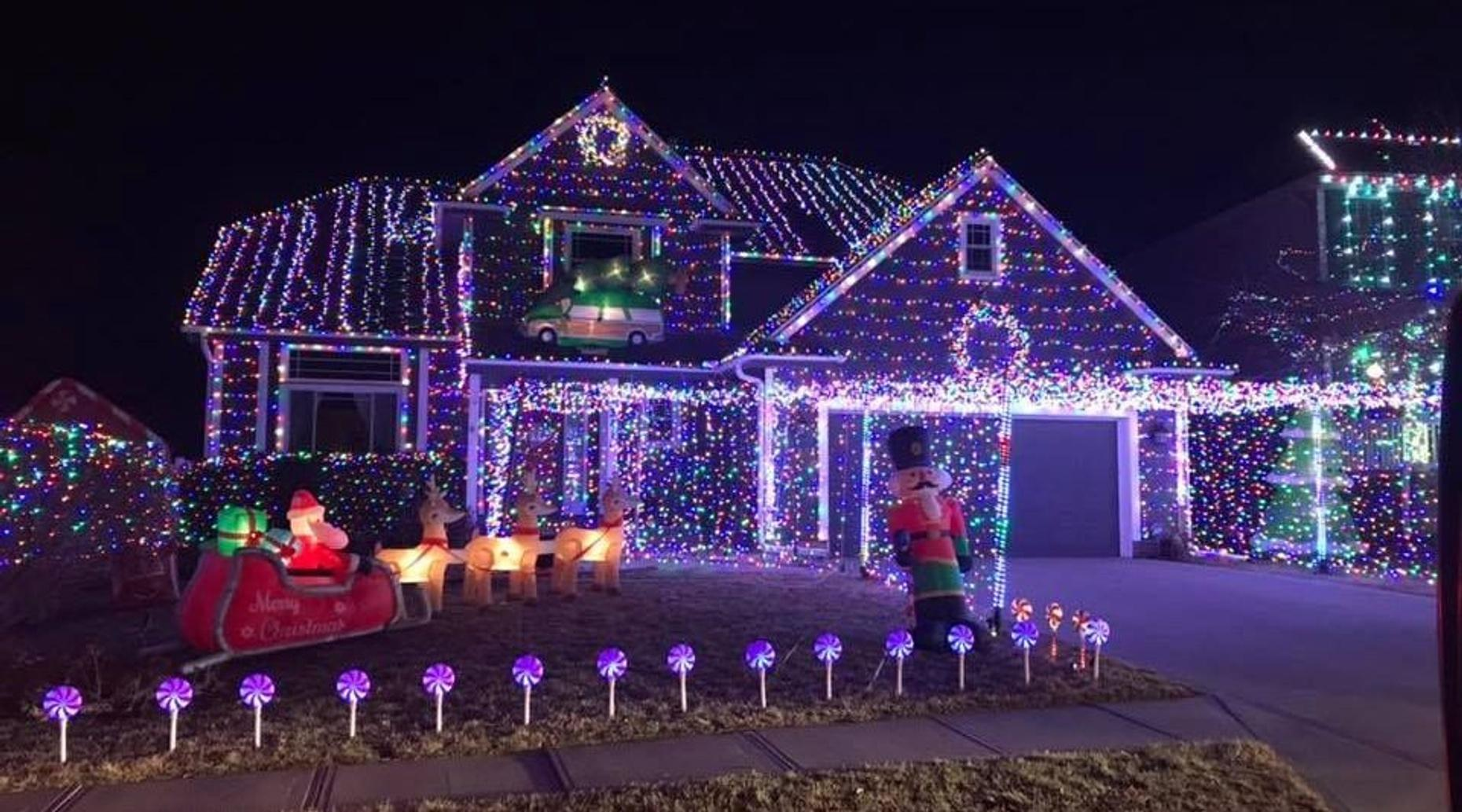 Private Omaha Holiday Lights & Brewery Tour