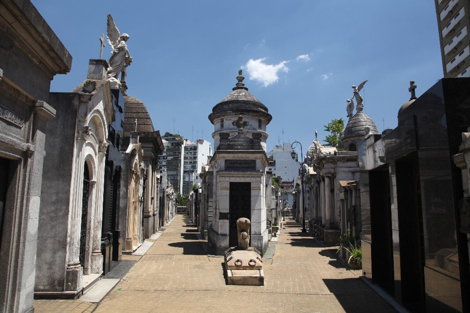 Retiro & Recoleta Guided Spanish Tour in Buenos Aires