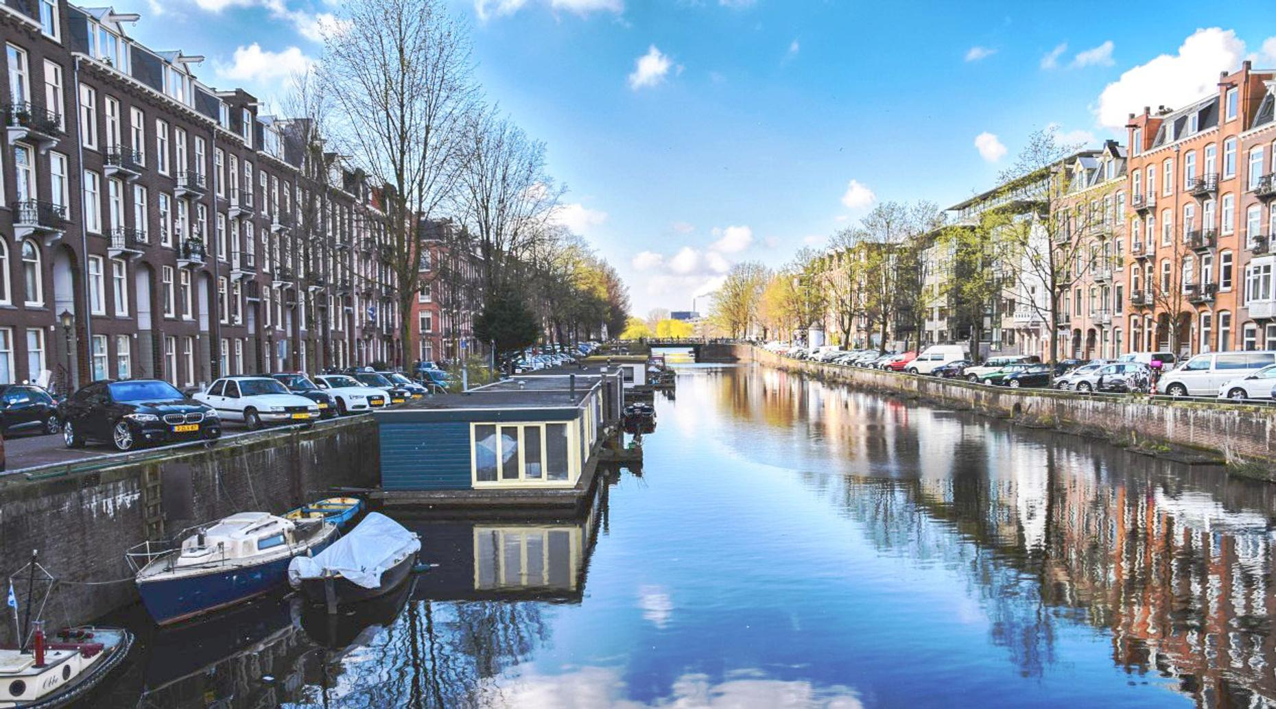 Amsterdam Untold: Guided walking tour in Dutch