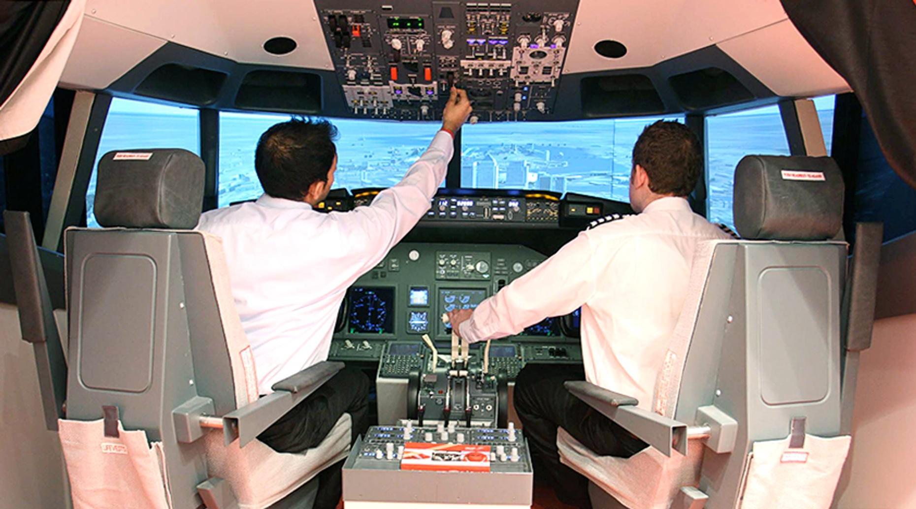 London 90 Minute Flight Simulator Lesson