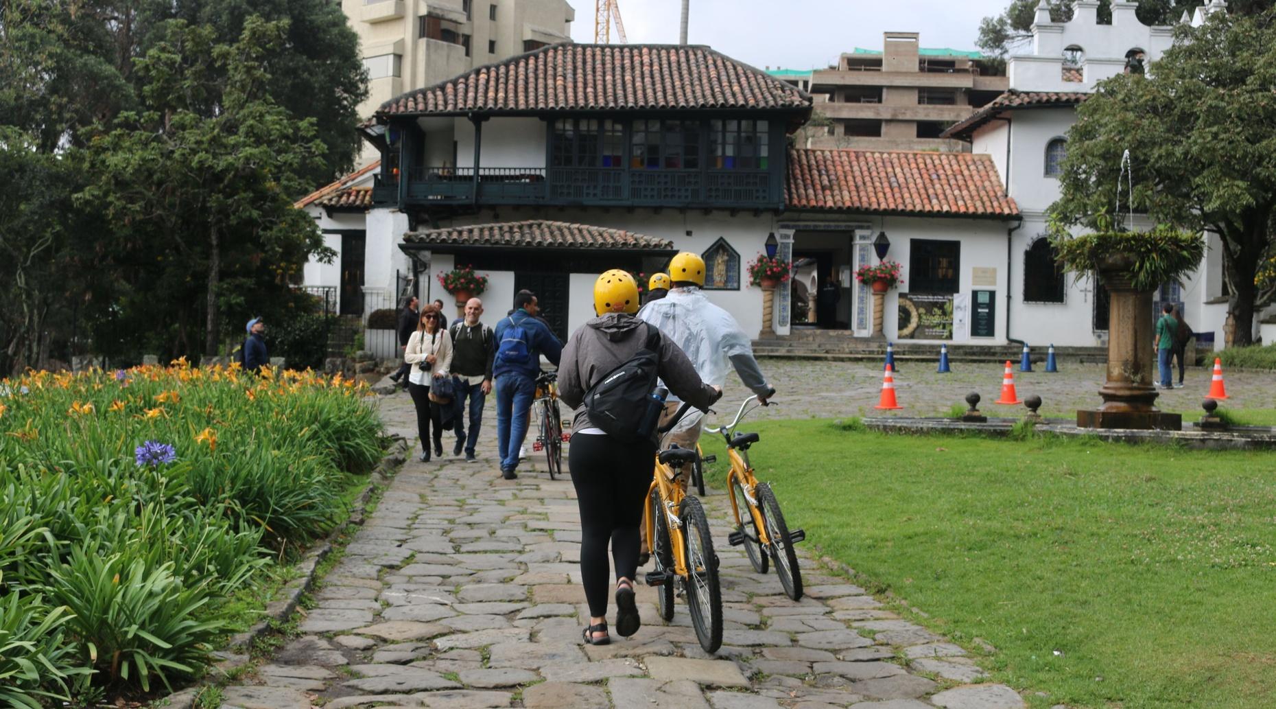 Private Bike Tour in Northern Bogotá