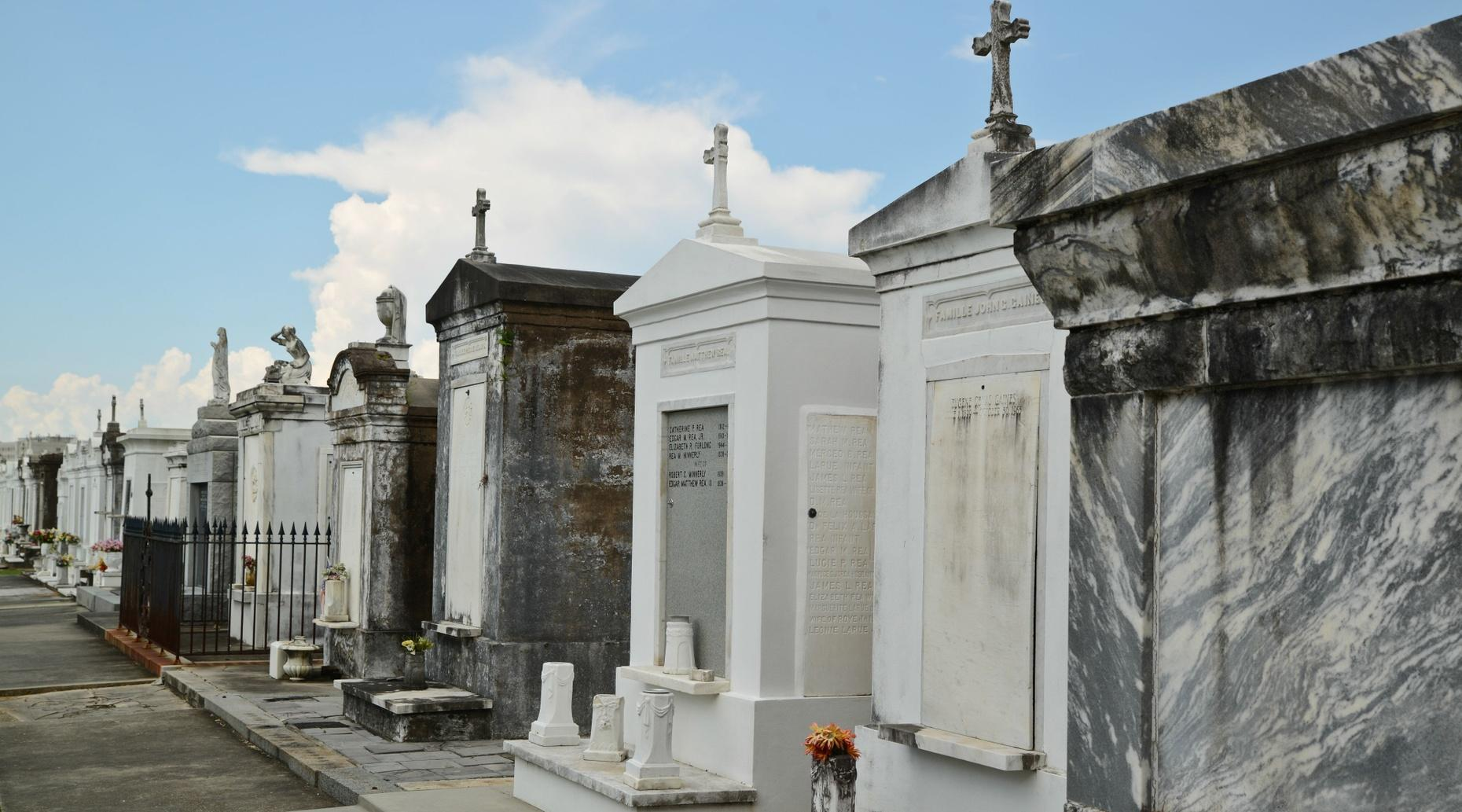 Voodoo Cemetery Tour in New Orleans